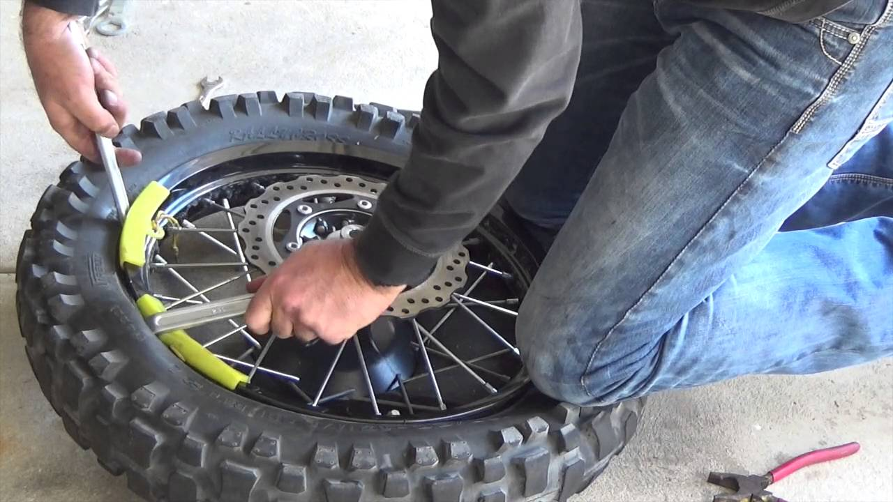 how to change tyre tube