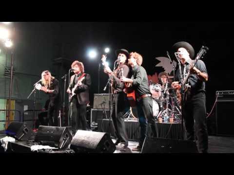 rocknycliveandrecord.com:  The Bolos @Bedrocktoberfest