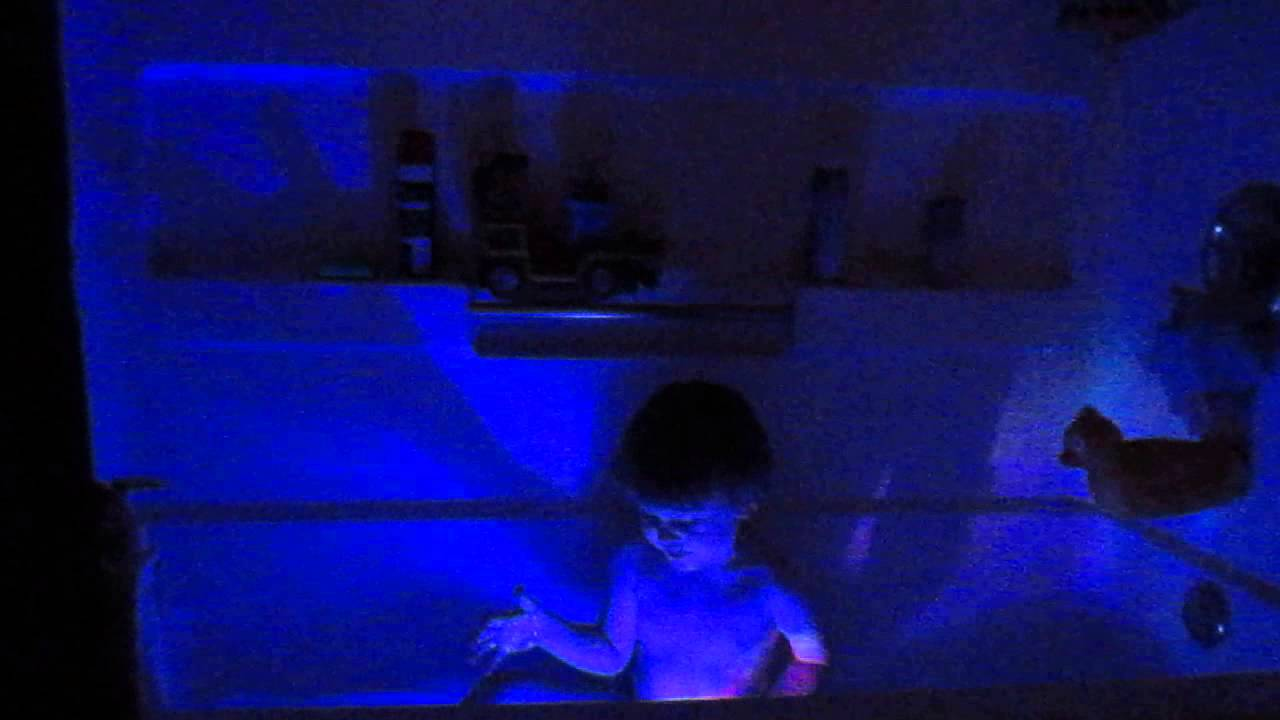 Logan and Party In the Tub Light! - YouTube