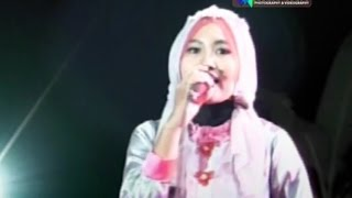 Download Yahanana Voc  Devi-New Permata Mp3