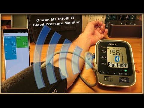 Omron M7 Intelli IT Blood Pressure Monitor (Pairing with Smartphone) HEM-7322T-E