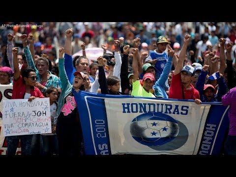 Smaller migrant caravan departs Mexico City for U.S.