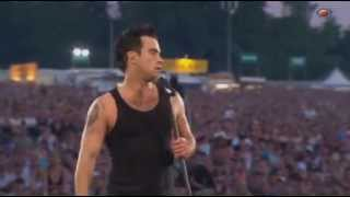 Robbie Williams Me And My Monkey Live Knebworth