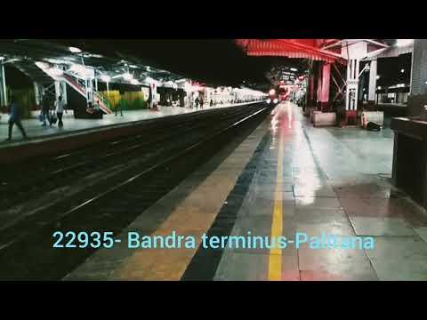 22935- Bandra terminus-palitana SF express.