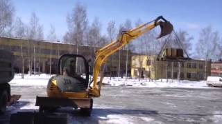 Аренда экскаватора в Ярославле(, 2012-11-16T18:06:10.000Z)