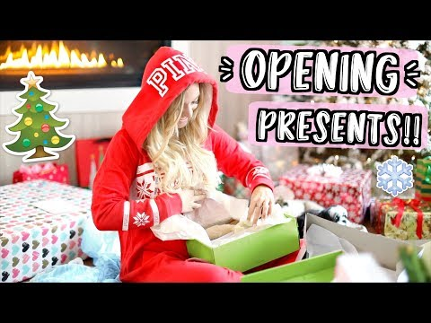 Opening Christmas Presents!! Vlogmas Day 25