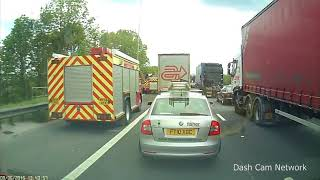 HGV blocks Fire Engines on Hard Shoulder M62 Lorry Crash Silvester Böller Extrem & Instant Karma C