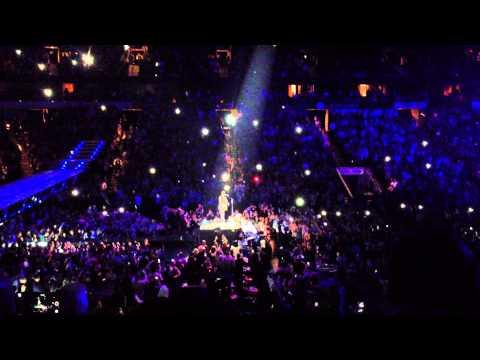 Justin Timberlake Sings Heart Break Hotel American Airlines Center Dallas 12/3