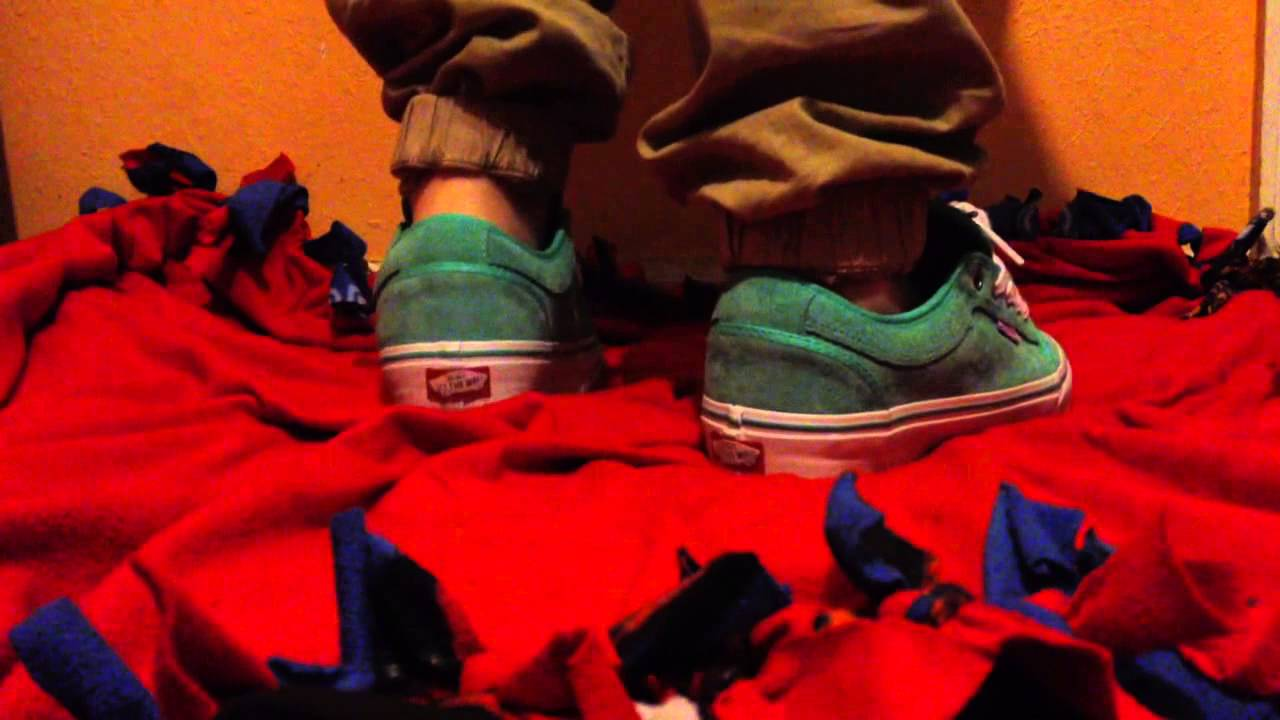5854996572 Vans seafoam chukka lows on feet - YouTube