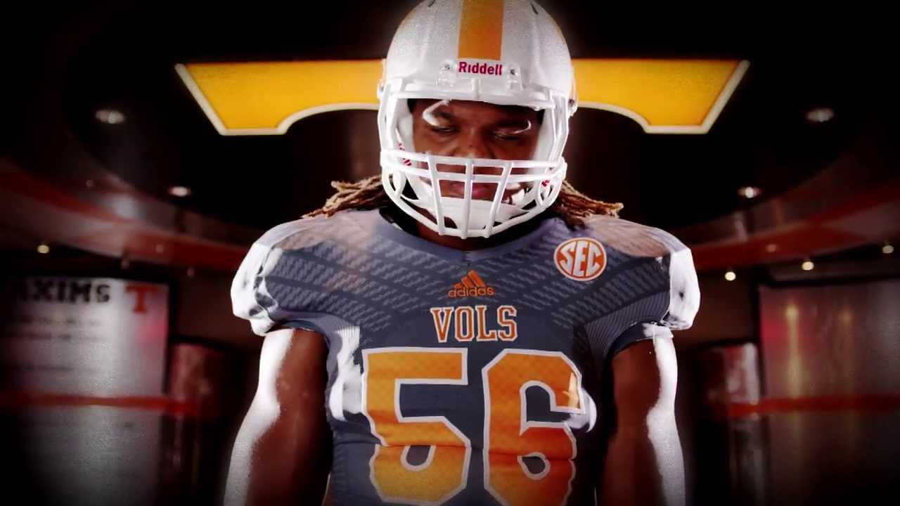 on sale ec306 af64e Tennessee Volunteers: Evolution of the Smokey Gray Uniform