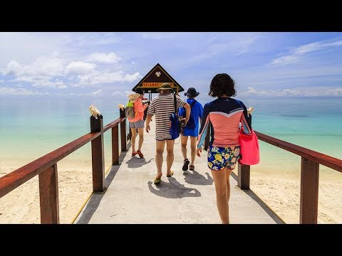Chinese tourists in Malaysia rebound from post-MH370 slump