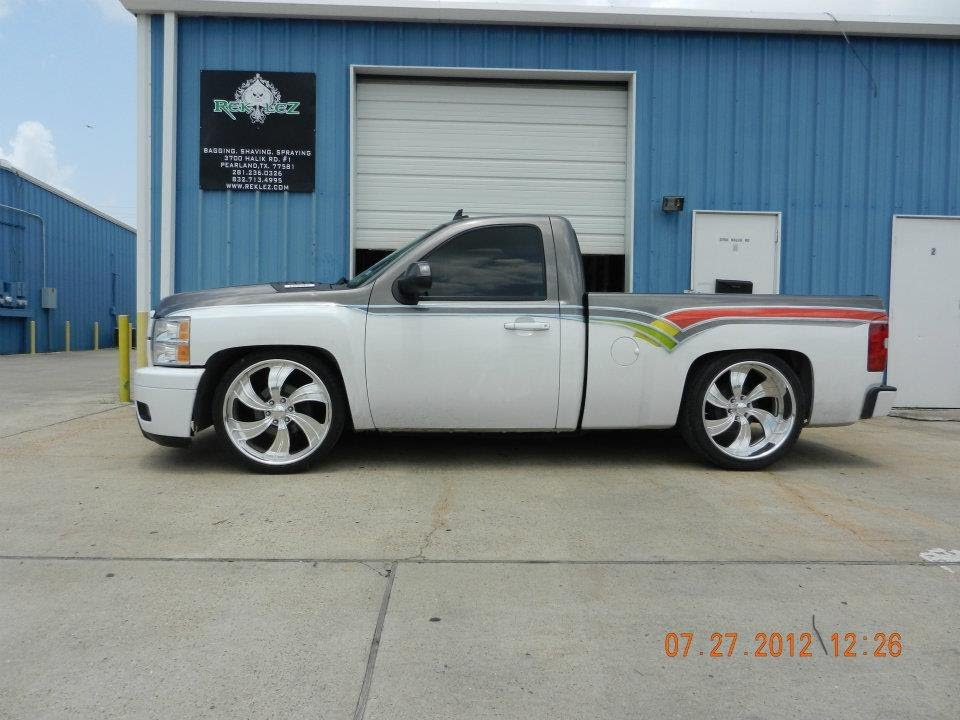 Movin 27 On  TV series likewise Watch also 1611 97 03 Ford F 150 Heater Core Replacement further 1976 CHEVROLET SILVERADO PICKUP 75282 together with High Pro Hollow Point Truck Rack. on 2009 gmc trucks