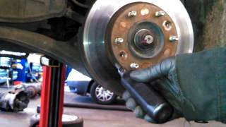 Front brake pad replacement 2006 Kia Sedona. How to change your front pads