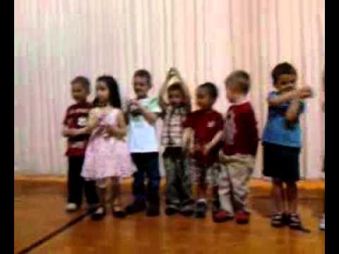 Pre K Mothers Day sing