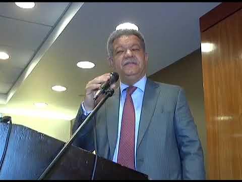 """Leonel advierte en NY que si se equivocan """"habrá hasta patadas voladoras"""""""