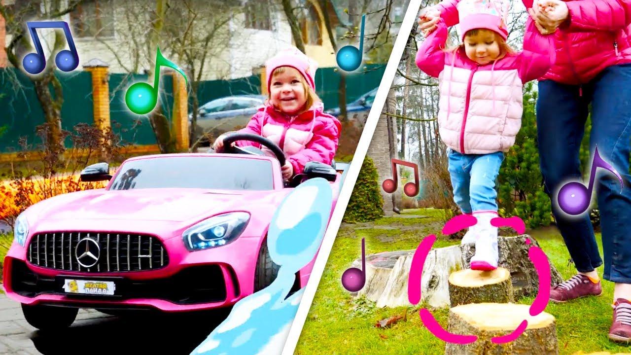 Веселые песенки для малышей — Бьянка и Маша Капуки на детской площадке