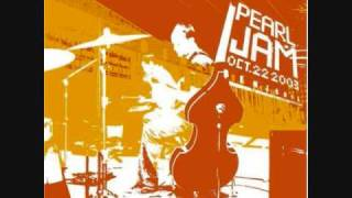 Pearl Jam - Black - Benaroya Hall 22 Oct. 2003