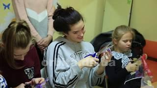 У молодіжному клубі Родинського шиють екосумки для допомоги хворому хлопчику Данилу Осадчему