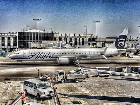 Alaska Airlines | Boeing 737-900 | LAX-SEA | First Class