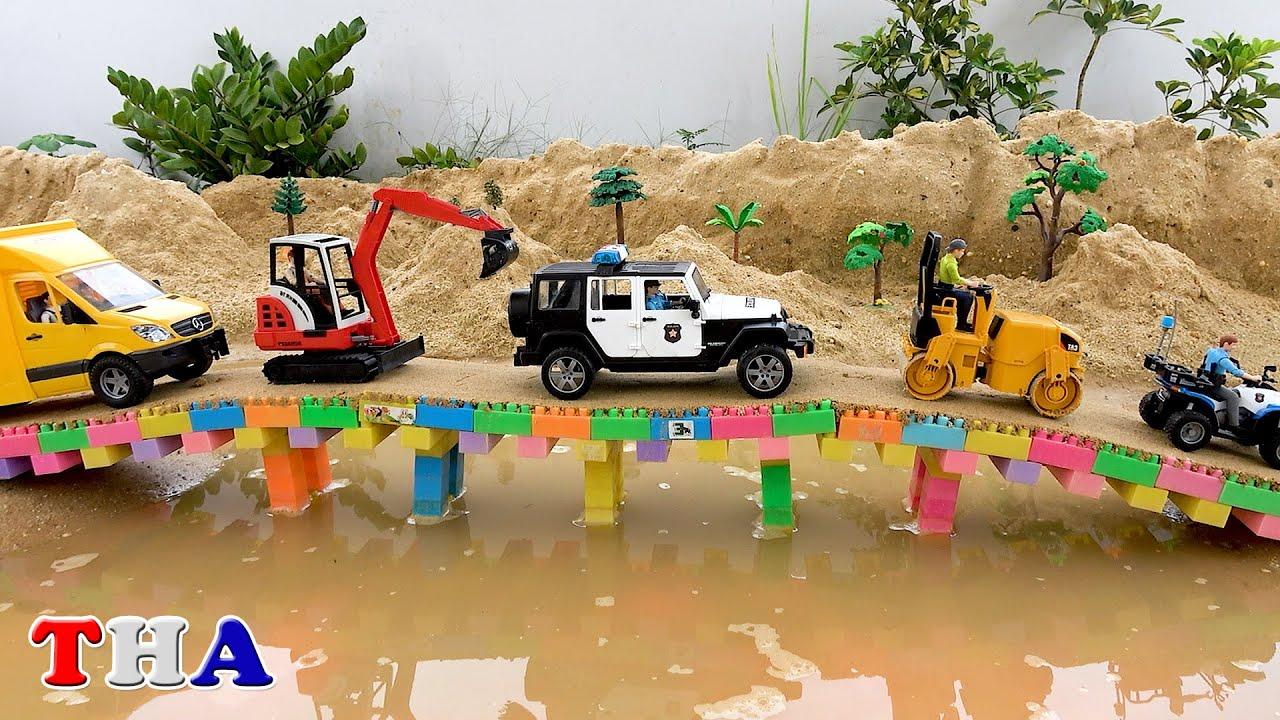 Biboเล่นสร้างสะพานแม็คโครรถตำรวจรถโม่ปูน