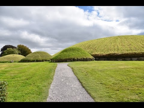 Ireland Day two - Boyne Valley: Knowth and Monasterboice with Singles in Paradise