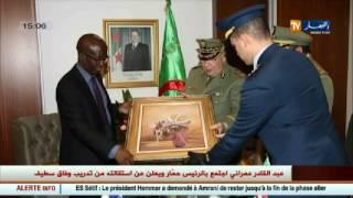 الفريق أحمد قايد صالح يتباحث مع وزير دفاع ليسوتو