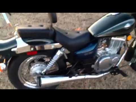 Suzuki gz250 motorcycle 2001 - YouTube