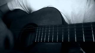 песня под гитару-два дома(кавер).MP4