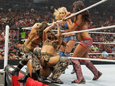 Raw: Diva Summer Spectacular - Viewer's Choice Divas Battle Royal