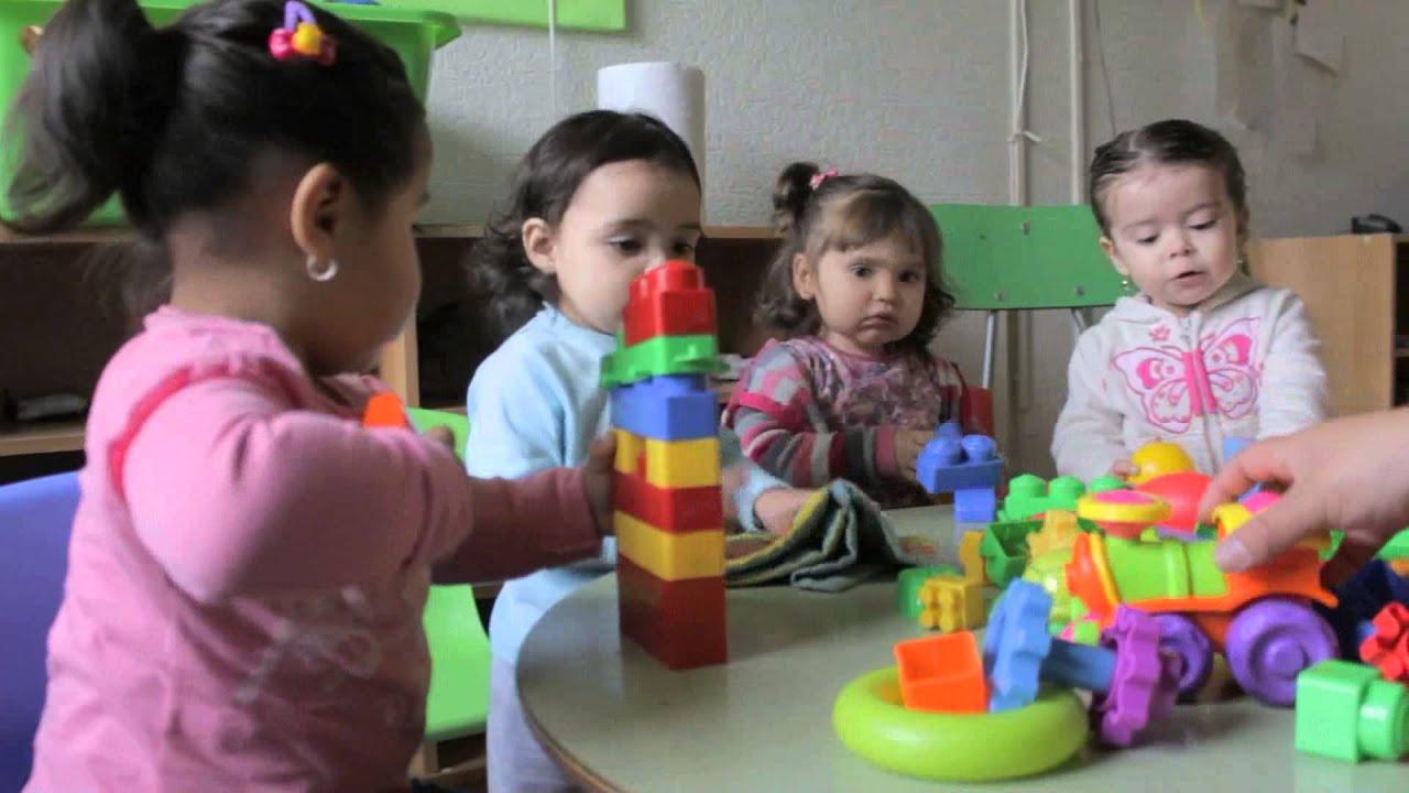 Jard n infantil y sala cuna peque a lulu youtube for Azulillo jardin infantil
