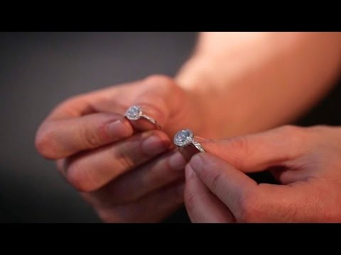 Picking the best engagement ring for your buget | Guide to engagement rings