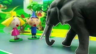 TUTTI ALLO ZOO - Orso porta con il pulmino  Ben e Holly , Peppa Pig e amici a vedere gli animali !