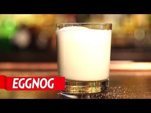 How-To-Make-Holiday-Cocktails-Eggnog