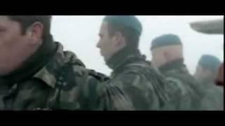 Nefes Filmindeki Komutanın Fırça Attığı Sahne