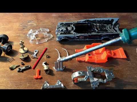 Corgi 267 Whizzwheels Batmobile Restoration Scrapyard Bat! Full