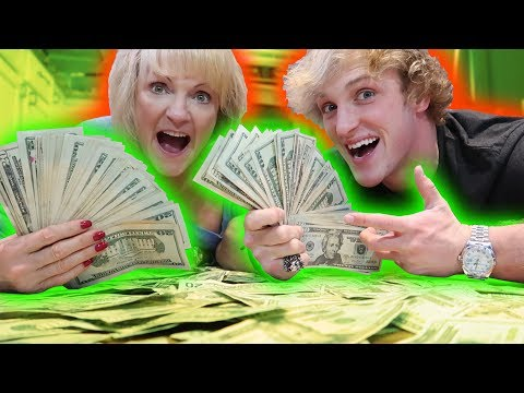 Download Youtube: I GAVE MY MOM $10,000 CASH FOR CHRISTMAS!