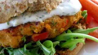 Creamy Dill Salmon Burgers Recipe