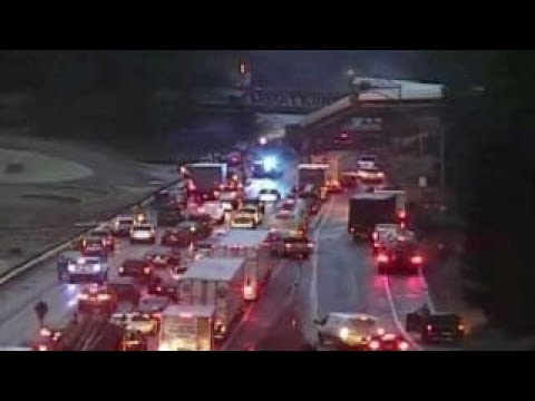 High-speed Amtrak train derails in DuPont, Washington