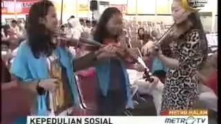 ▶ Cecillia Young Mengajari Anak Jalanan Bermain Biola - Berita Malam Metro TV 2013