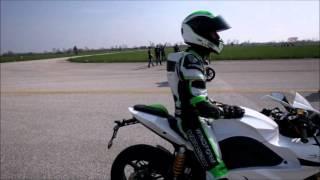 Drag Race : Energica EGO vs BMW S 1000 RR HP4, Ferrari 458 Italia, Tesla Roadster etc