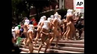 Video Students in naked run to mark university's anniversary - 2008 download MP3, 3GP, MP4, WEBM, AVI, FLV November 2017