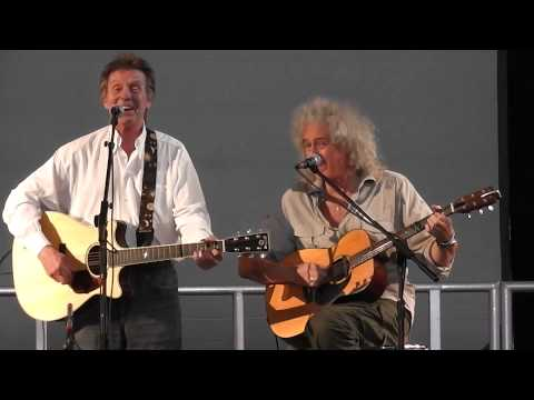 Brian May, Joe Brown and Kerry Ellis - Putting on the Style