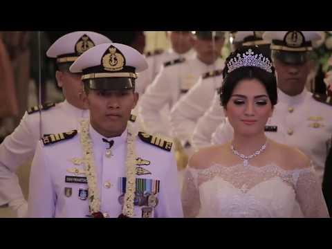 UPACARA TRADISI KHAS TNI AL PEDANG PURA