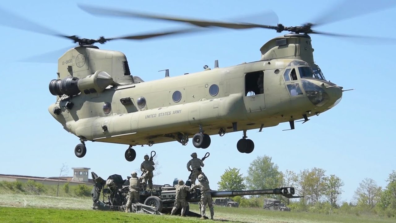 Sling-load! CH-47 Chinooks Carry the M777 Howitzers