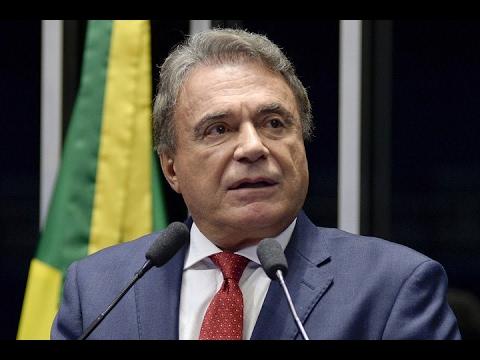 Alvaro Dias elogia sistema prisional de Cascavel (PR) seguindo modelo de ressocialização de detentos
