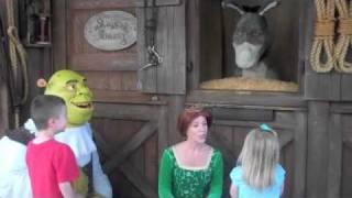 The kids meeting Shrek, Donkey, & Fiona
