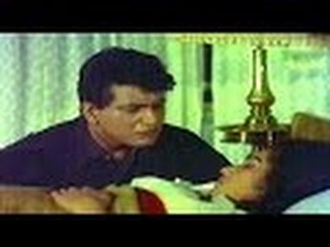 Emotional Love Scene @ Do Badan - Asha Parekh, Manoj Kumar