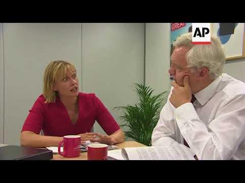UK Brexit secretary continues negotiations