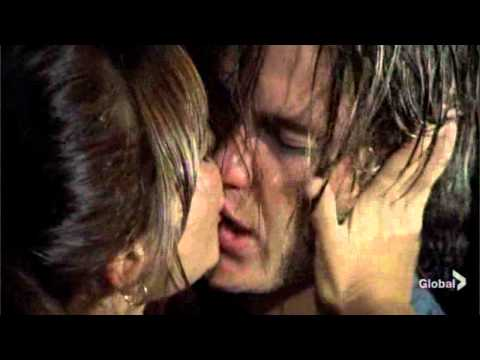 Friday Night Lights - Tim and Lyla First Kiss 1.03