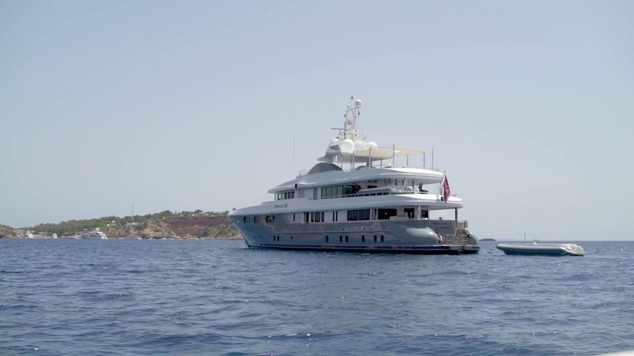 Порношара на яхте